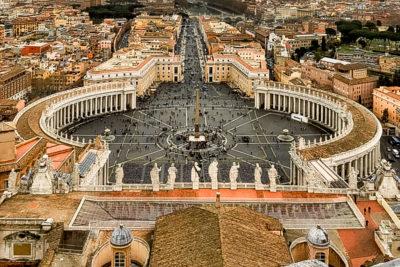 Plaza de San Pedro, Ciudad del Vaticano, Roma, Italia.