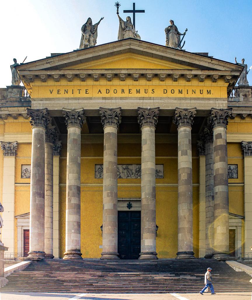 Basílica de Eger, Hungría.