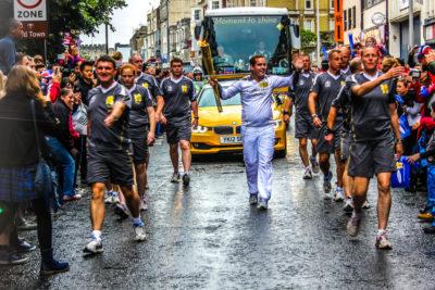 Antorcha Olímpica de los Juegos de Londres 2012 a su paso por Southampton, Reino Unido.