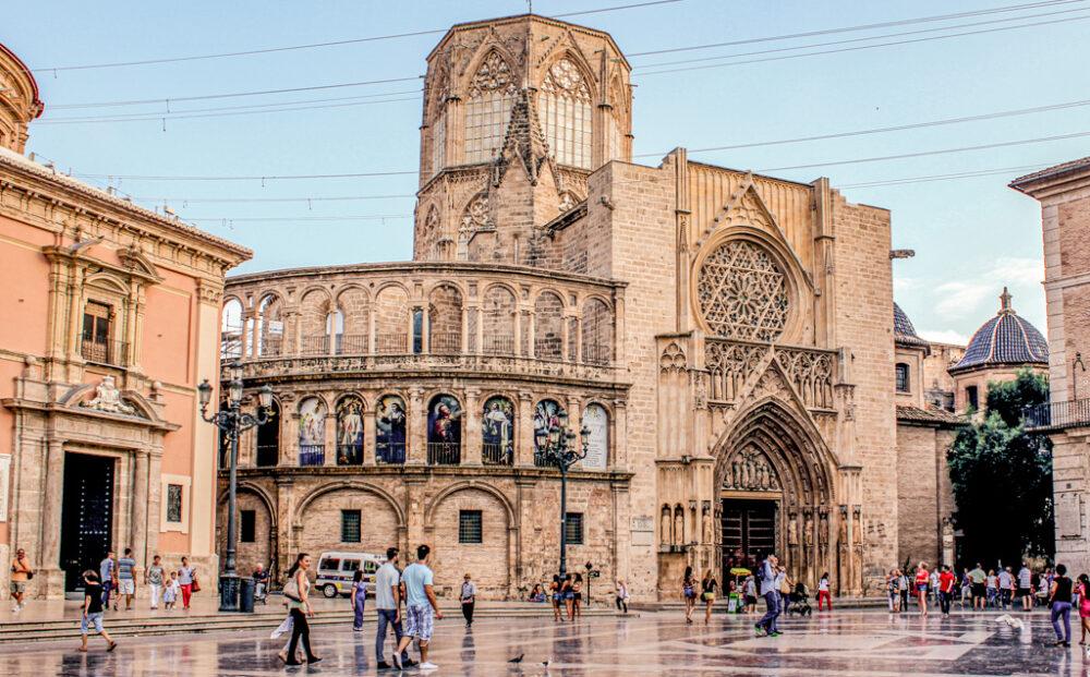Plaza de la Virgen de Valencia, España.