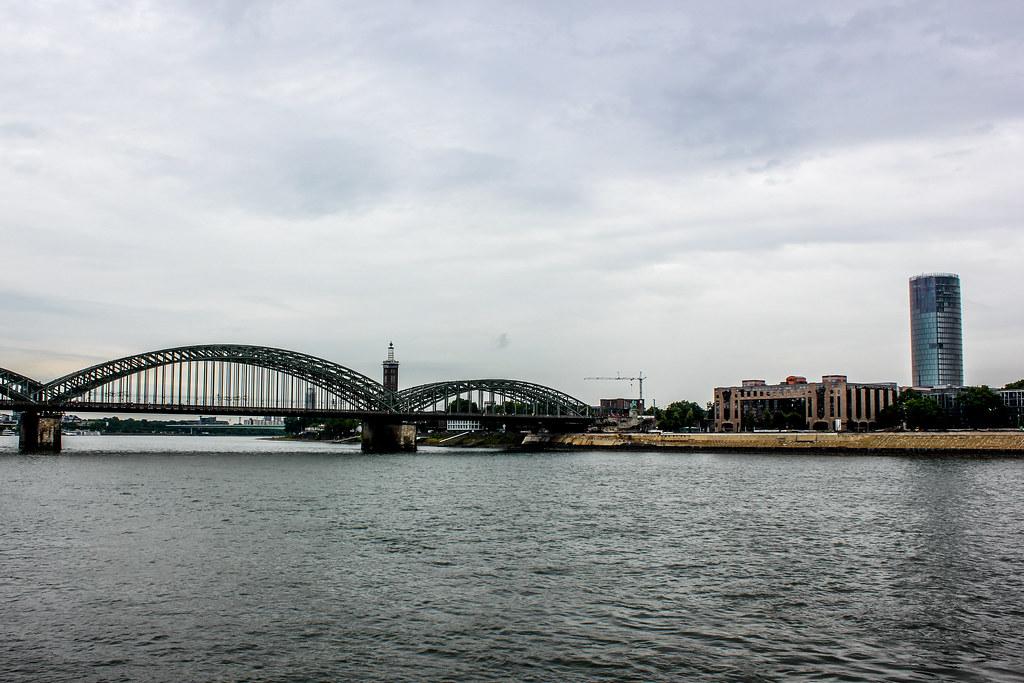 Puente de los candados de enamorados en Colonia.