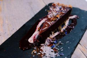 El restaurante El Rus de Ruzafa es famoso por su tarta de chocolate.